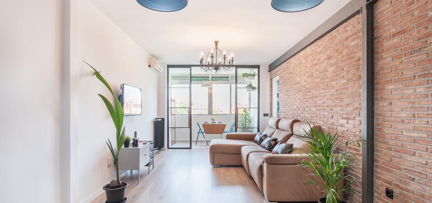 Sala de la TV, Salon Estilo moderno Color marron, marron, blanco  diseñado por altia group S.L.U. | Gremio | Copyright altia Group