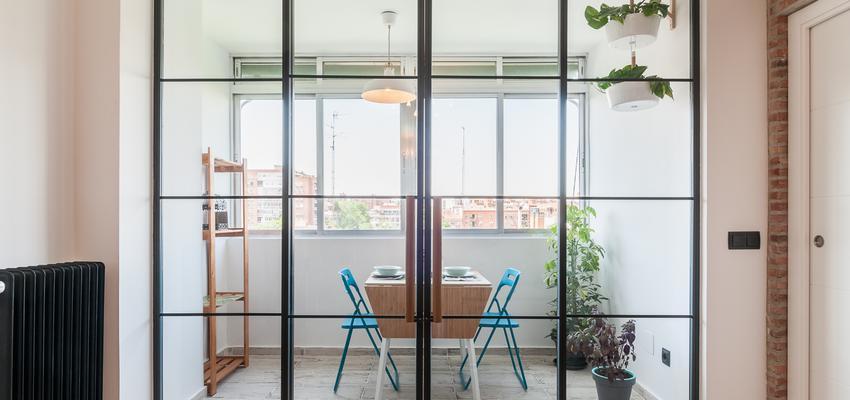 Comedor Estilo moderno Color verde, blanco, negro  diseñado por altia group S.L.U. | Gremio | Copyright altia Group
