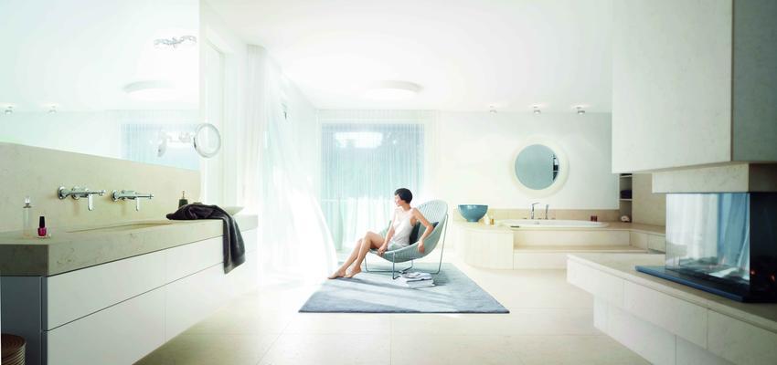 Baño style moderno color beige, beige, blanco  diseñado por GROHE | Marca colaboradora | Copyright GROHE