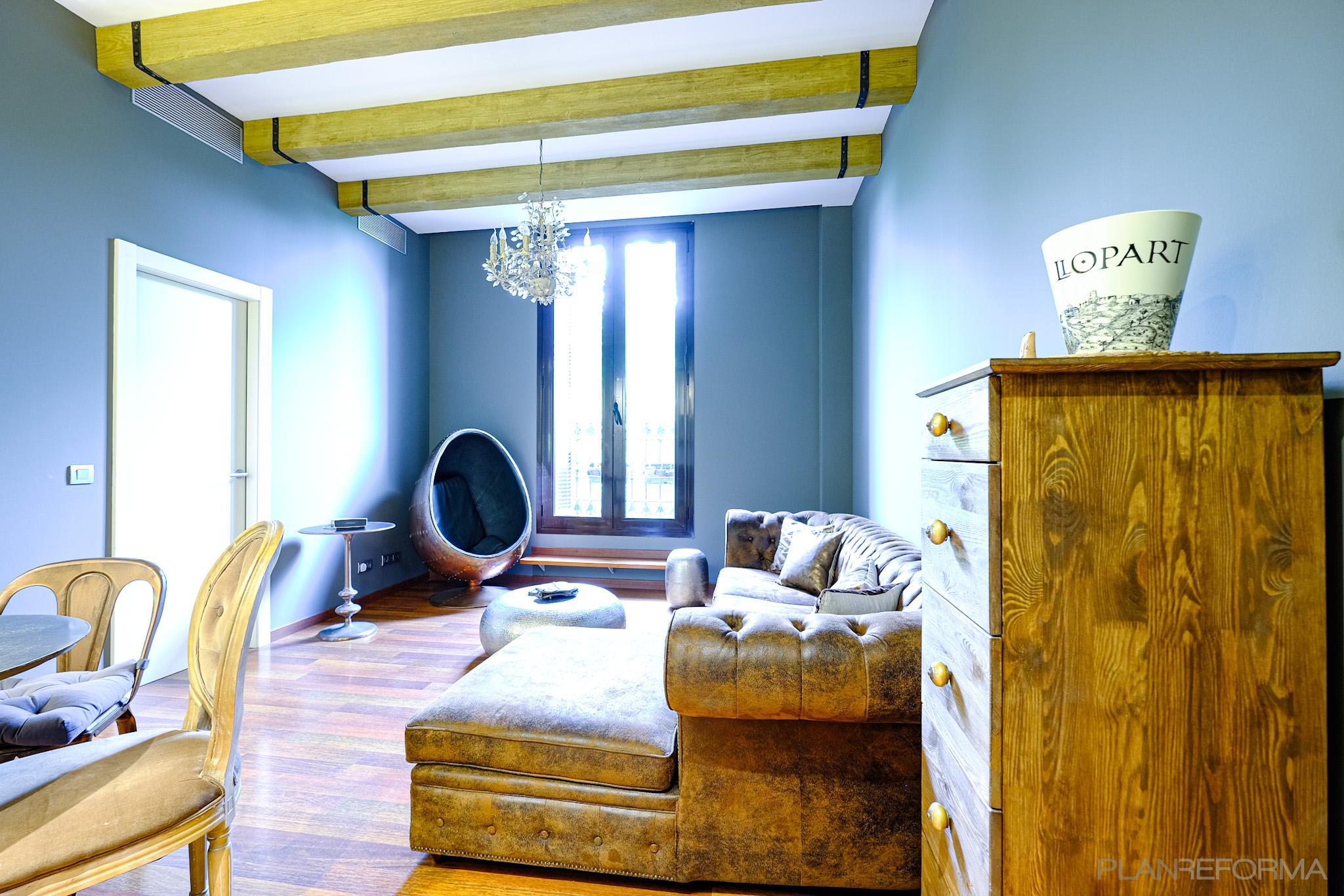Salon Estilo contemporaneo Color marron, marron, gris  diseñado por Estudi de Arquitectura & Eficiencia Energètica GPA S.L | Gremio | Copyright Arquitectura & Eficiencia Energètica GPA S.L