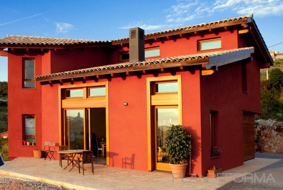 Porche, exterior, jardin style tradicional color rojo, ocre