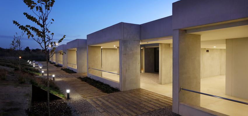 Porche, Exterior, Jardin Estilo mediterraneo Color amarillo, verde, beige  diseñado por Susana Pastor | Arquitecto | Copyright Susana Pastor
