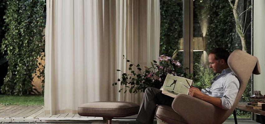Salon style contemporaneo color rojo, marron, blanco  diseñado por VITRA | Marca colaboradora | Copyright Vitra