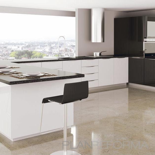 Cocina Estilo moderno Color gris, plateado  diseñado por studio zentro cocinas | Gremio | Copyright Studio Zentro