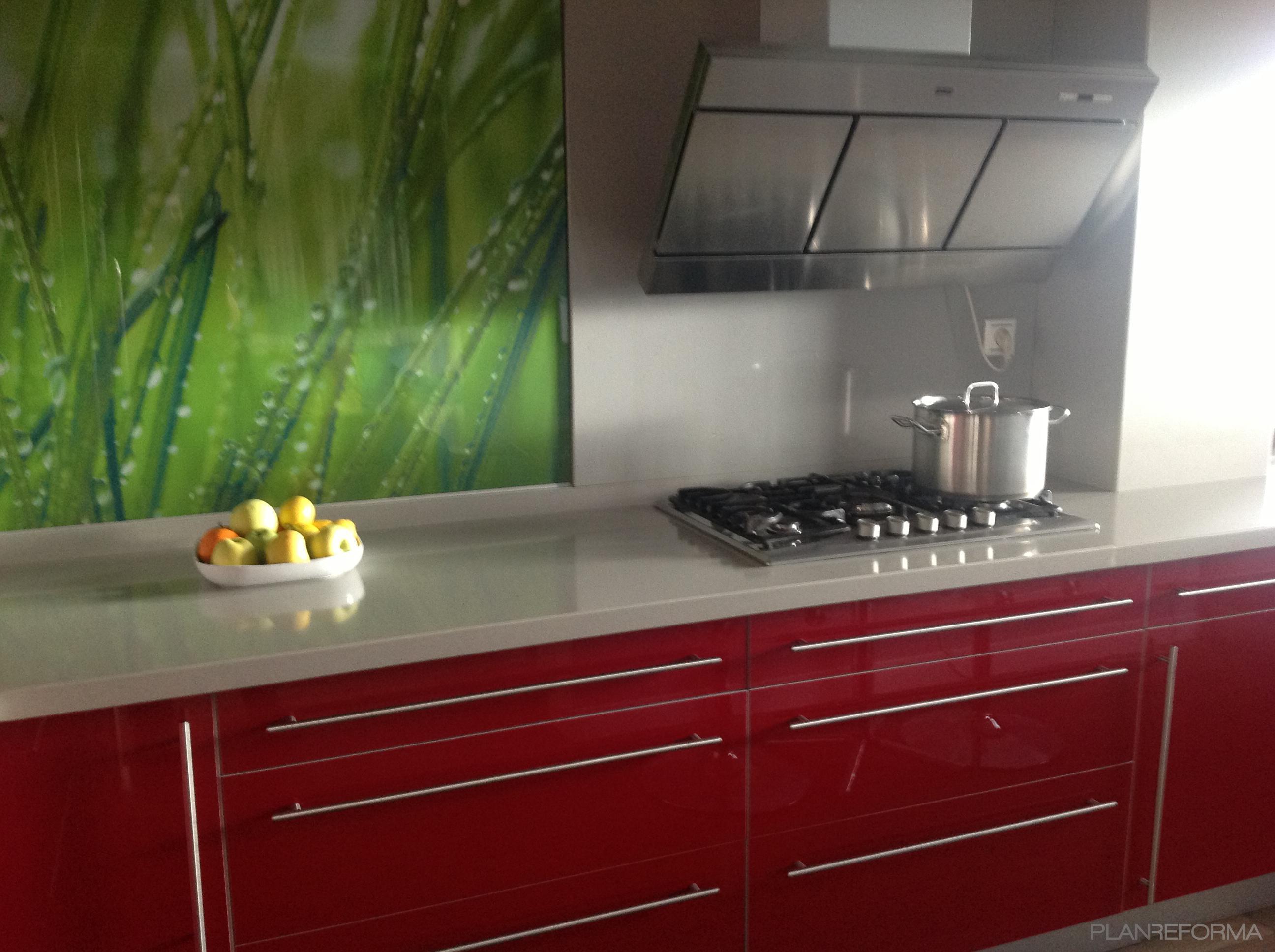 Comedor Cocina Estilo Moderno Color Rojo Gris ~ Cristales Decorados Para Cocinas