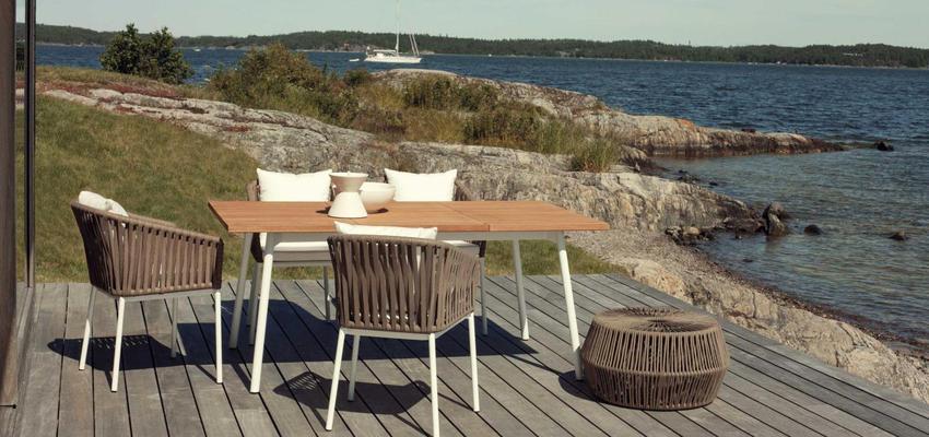 Exterior style contemporaneo color marron, blanco  diseñado por KETTAL | Marca colaboradora | Copyright Kettal