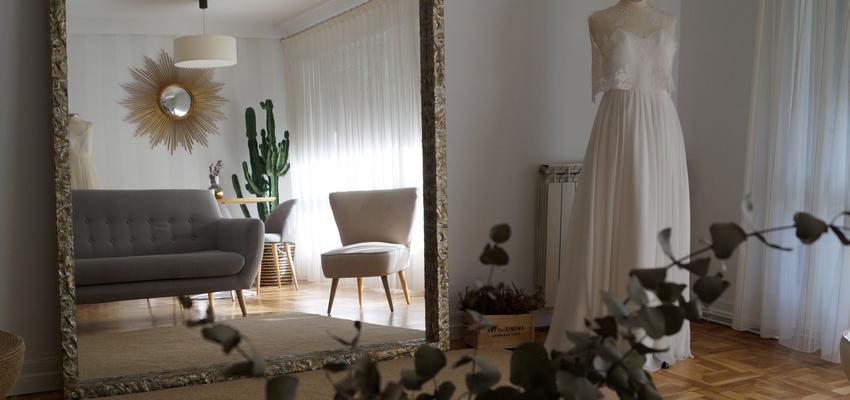 Salon Estilo vintage Color marron, verde, blanco  diseñado por Urabayen Erreformak | Gremio | Copyright Urabayen Erreformak