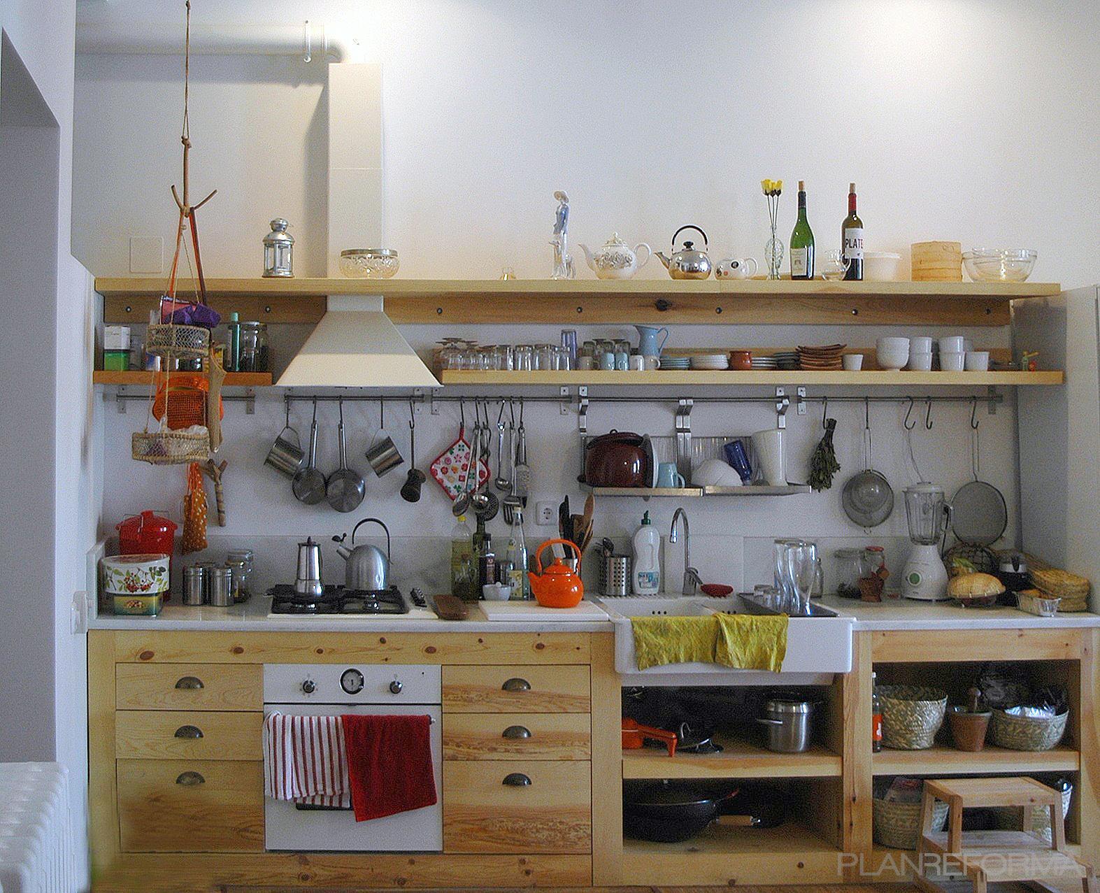 Cocina estilo rustico color marron blanco plateado - Cocinas estilo rustico ...