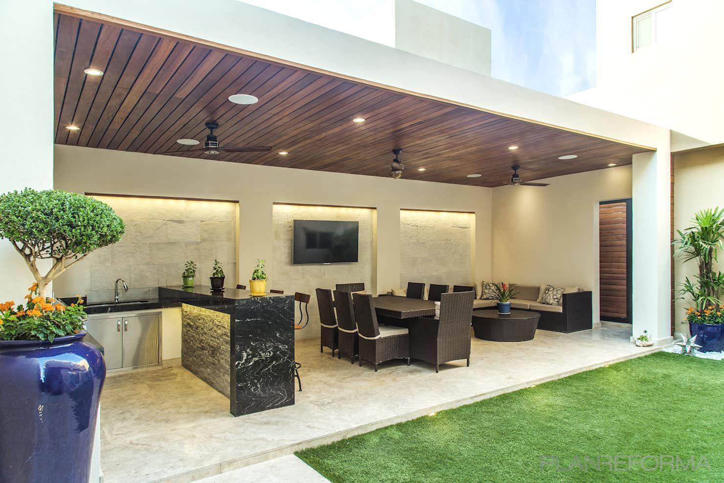 Exterior Estilo moderno Color verde, beige, negro  diseñado por Serveis Generals. JW   Gremio