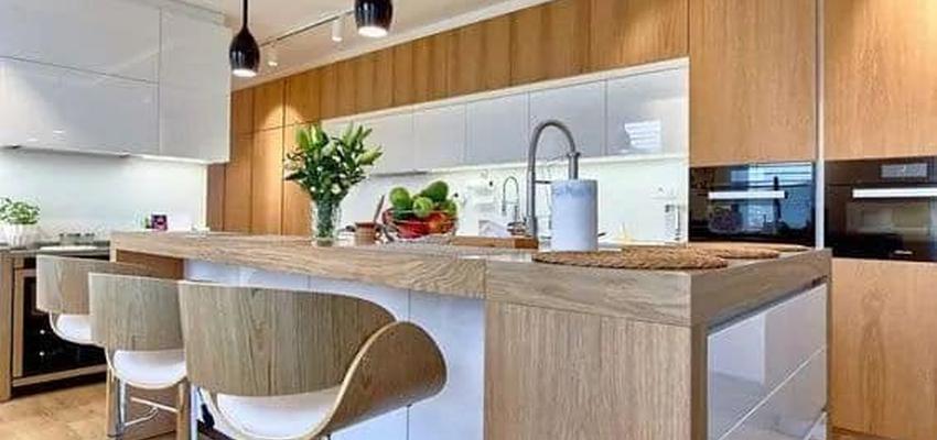 Cocina Estilo moderno Color marron, blanco, gris  diseñado por Serveis Generals. JW | Gremio