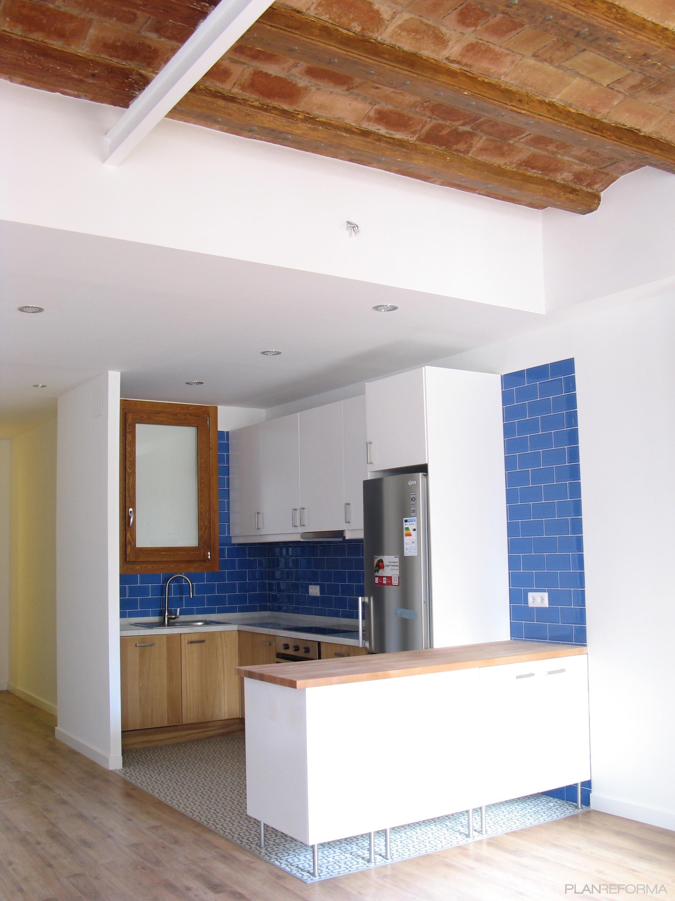 Comedor cocina salon style contemporaneo color azul for Cocina comedor salon