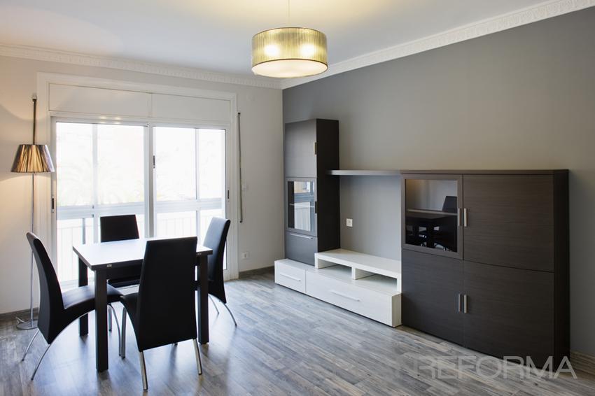 Estudio Estilo contemporaneo Color marron, blanco, gris  diseñado por Estudi de Arquitectura & Eficiencia Energètica GPA S.L | Arquitecto Técnico