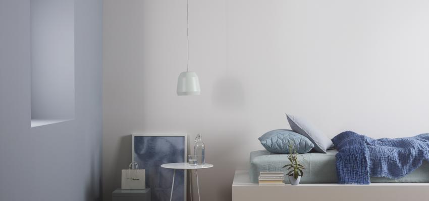Dormitorio style contemporaneo color azul cielo, azul, beige  diseñado por jotun ibérica | Marca colaboradora | Copyright Pinturas Jotun
