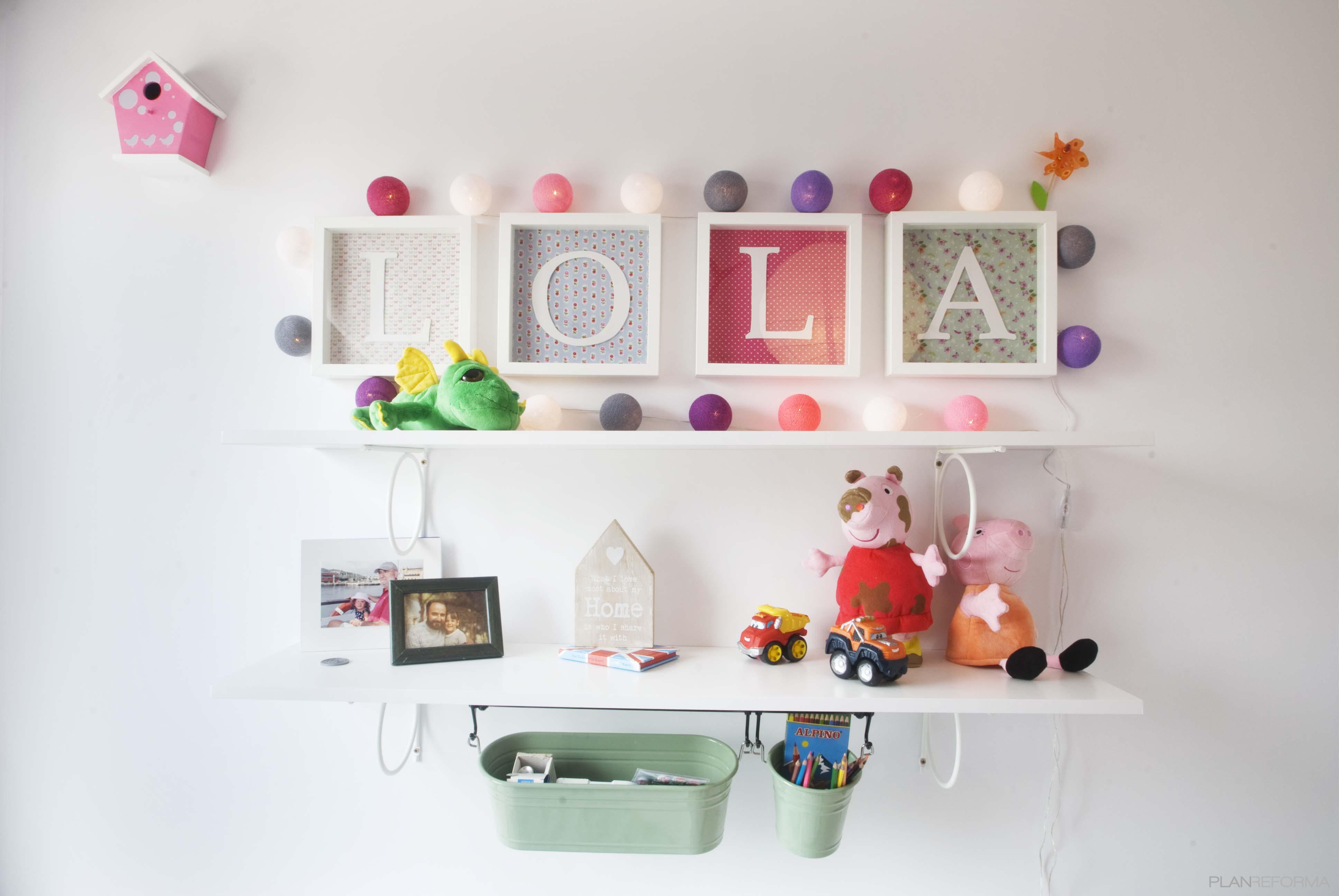 Estudio style contemporaneo color turquesa, azul cielo, rosa, blanco  diseñado por demarcasueca | Interiorista