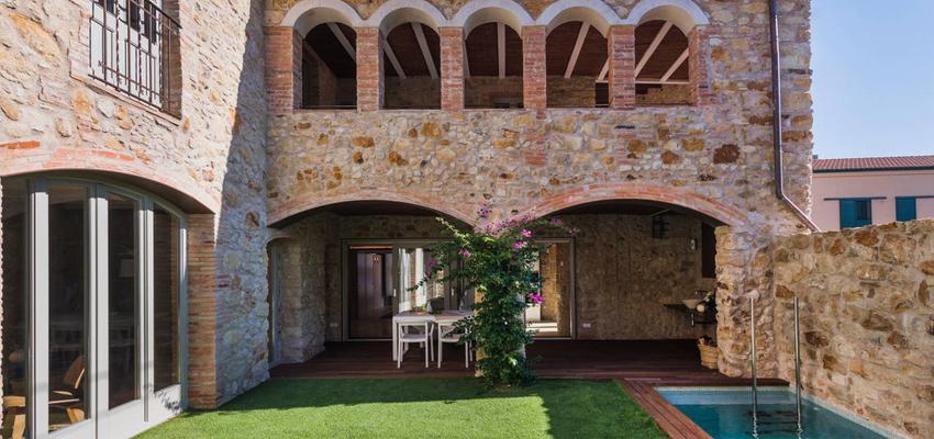 Exterior, Jardin Estilo mediterraneo Color verde, blanco, bronce  diseñado por HERMES HOUSES | Arquitecto Técnico