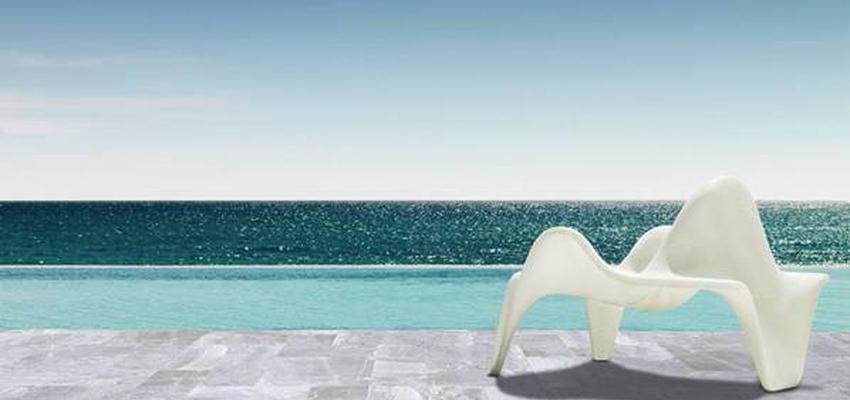 Piscina style contemporaneo color beige, gris  diseñado por keraben | Marca colaboradora