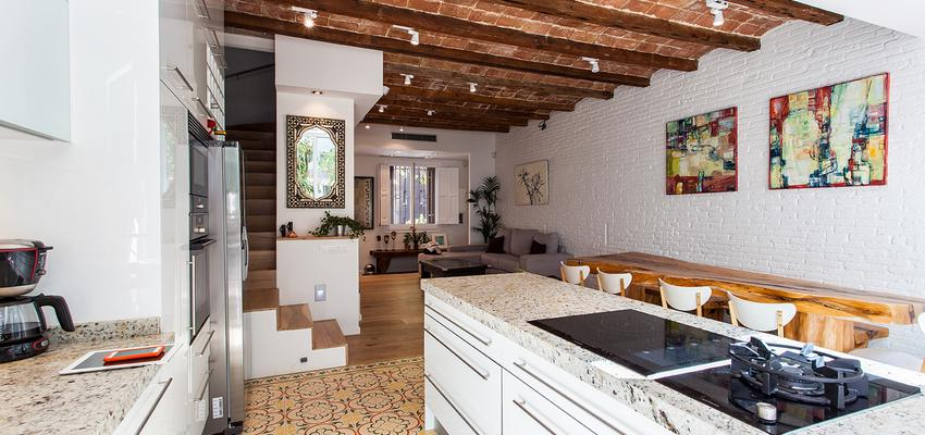 Cocina Estilo moderno Color marron  diseñado por cliparquitectes | Arquitecto | Copyright cliparquitectes