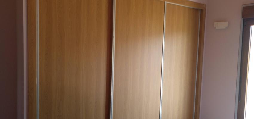 Dormitorio Estilo clasico Color ocre  diseñado por AKTUAL Diseño y Obra   Gremio   Copyright AKTUAL