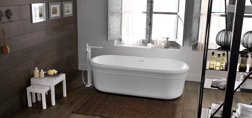 Baño style rustico color marron, marron, blanco, negro  diseñado por PORCELANOSA   Marca colaboradora   Copyright porcelanosa