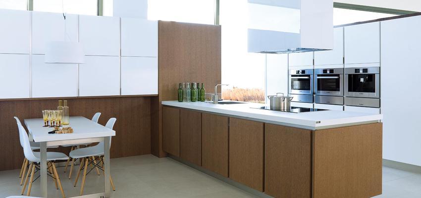 Cocina Estilo contemporaneo Color marron, blanco, plateado  diseñado por PORCELANOSA | Marca colaboradora | Copyright porcelanosa