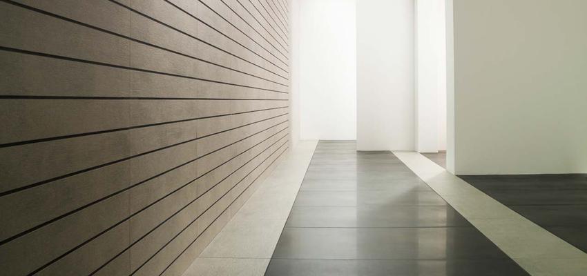 Vestibulo, Pasillo style moderno color marron, blanco, gris, gris  diseñado por PORCELANOSA | Marca colaboradora | Copyright porcelanosa