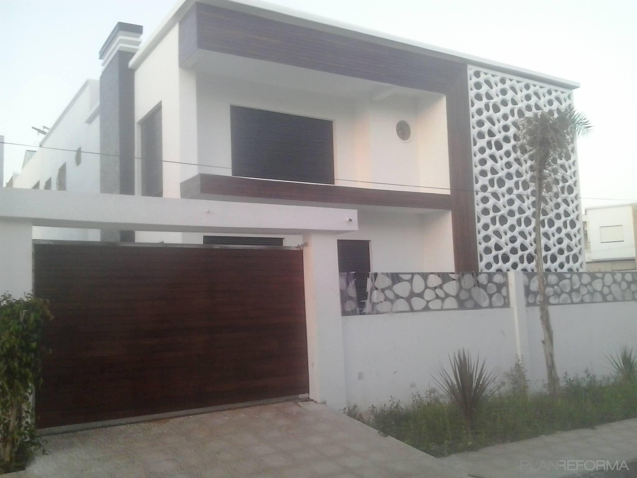Patio Piscina Exterior Style Moderno Color Marron Blanco Gris Negro