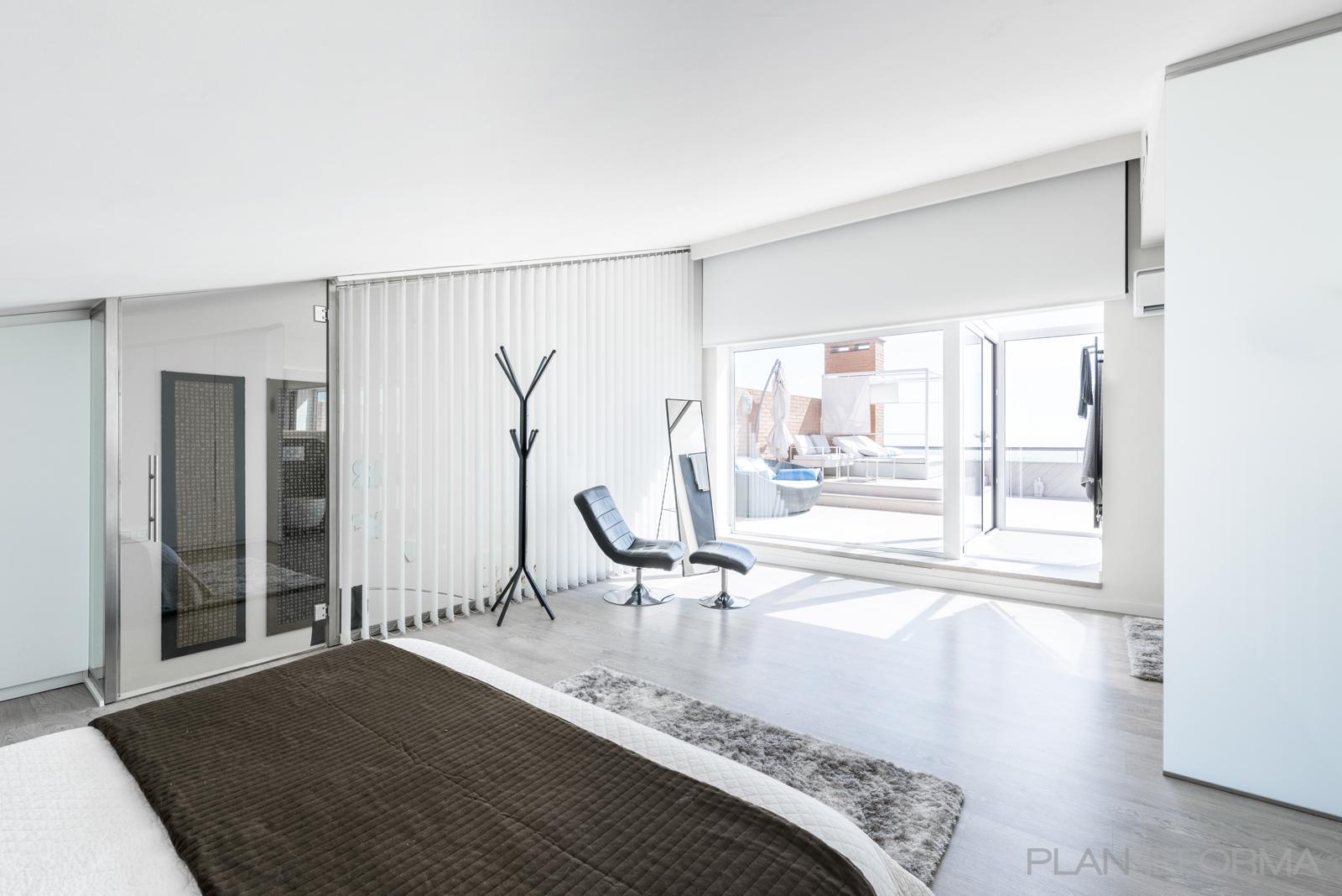 Dormitorio, Terraza, Balcon Estilo vanguardista Color beige, marron, gris  diseñado por Best Innova Project S.L. | Gremio | Copyright Best Innova Project S.L.