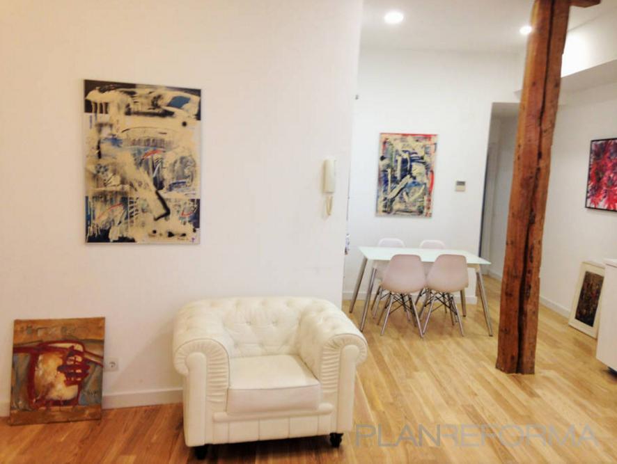 Salon Estilo clasico Color rojo, amarillo, violeta  diseñado por Reformas Hoy | Gremio | Copyright Reformas Hoy