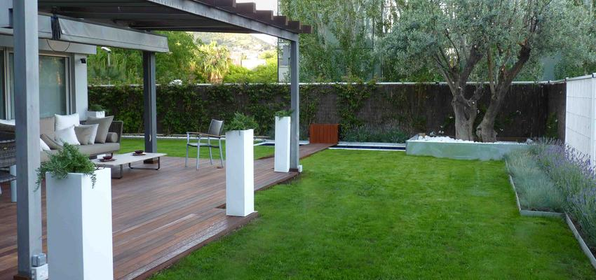 Patio, Jardin Estilo moderno Color marron, marron, blanco  diseñado por Eva Vidal Mateu - Taller de Paisatge | Paisajista