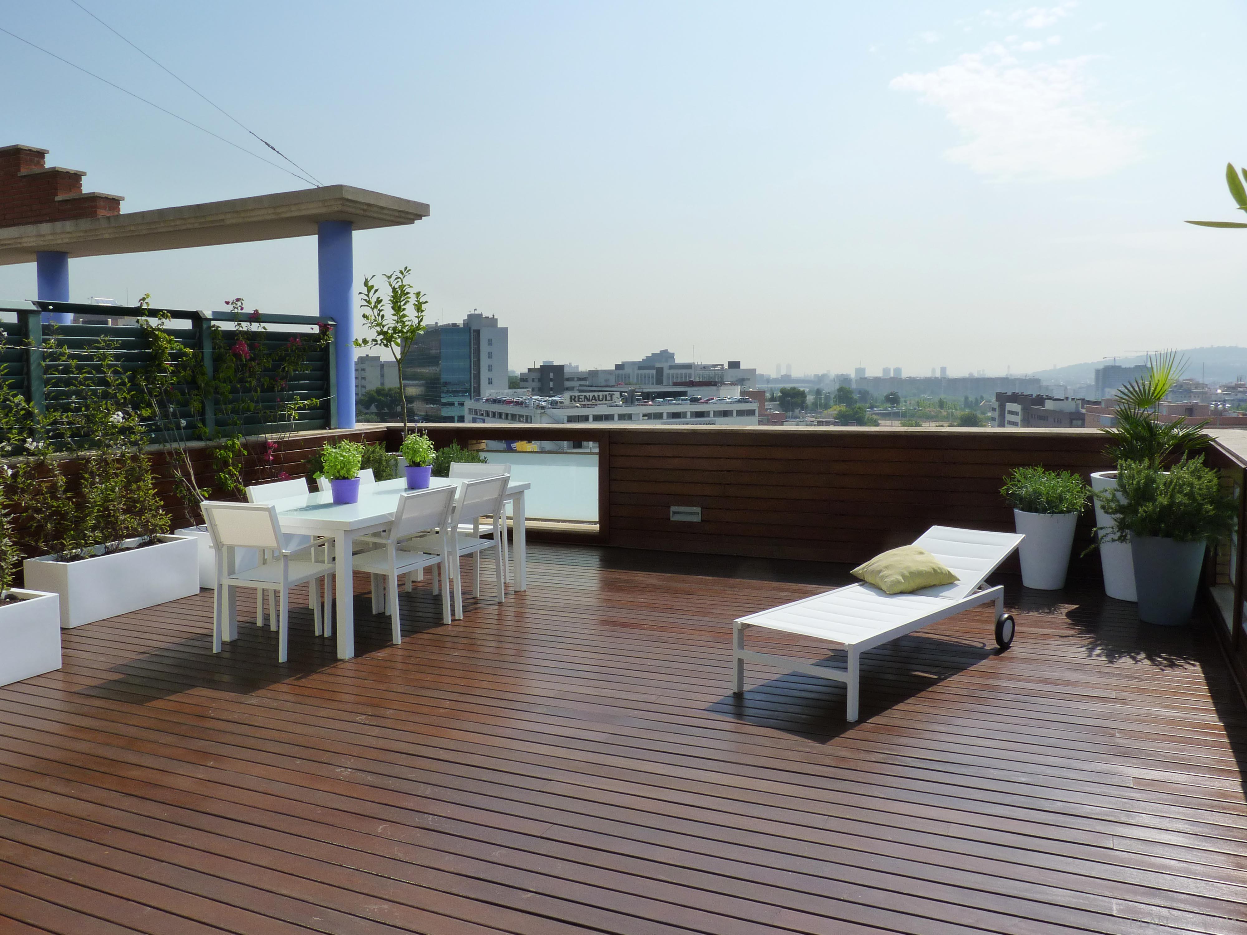 Terraza, Exterior Estilo contemporaneo Color verde, rosa, marron  diseñado por Eva Vidal Mateu - Taller de Paisatge   Paisajista