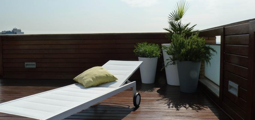 Terraza, Exterior style contemporaneo color verde, marron, blanco  diseñado por Eva Vidal Mateu - Taller de Paisatge | Paisajista