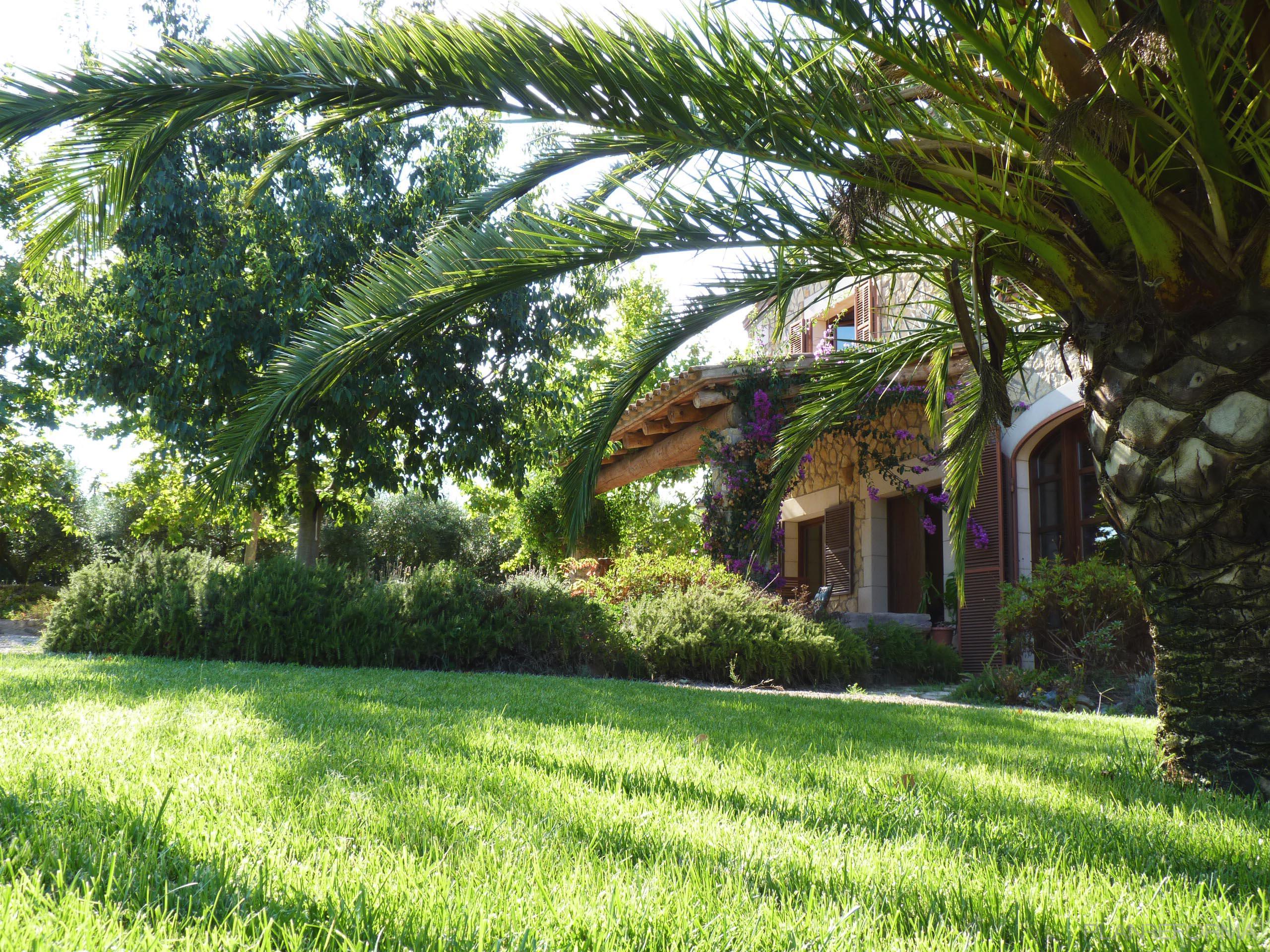 Porche exterior jardin style mediterraneo color verde for Porche de jardin