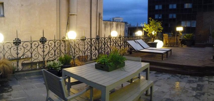 Terraza style contemporaneo color marron, gris, gris  diseñado por Eva Vidal Mateu - Taller de Paisatge | Paisajista | Copyright Taller de Paisatge - todos los derechos reservados