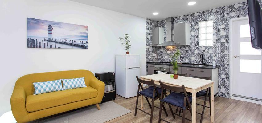 Estudio, Comedor, Cocina Estilo contemporaneo Color amarillo, azul oscuro, gris  diseñado por Archirent | Gremio | Copyright Archirent