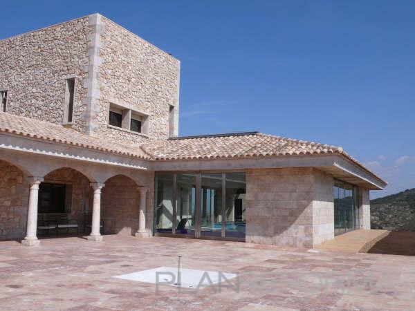 Patio exterior style contemporaneo color beige beige - Rehabilitacion casas rurales ...