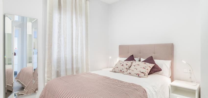 Dormitorio Estilo moderno Color rojo, beige, blanco  diseñado por altia group S.L.U. | Gremio | Copyright altia Group
