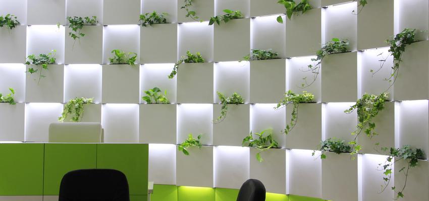 Oficina style moderno color verde, blanco  diseñado por SERASTONE | Marca colaboradora