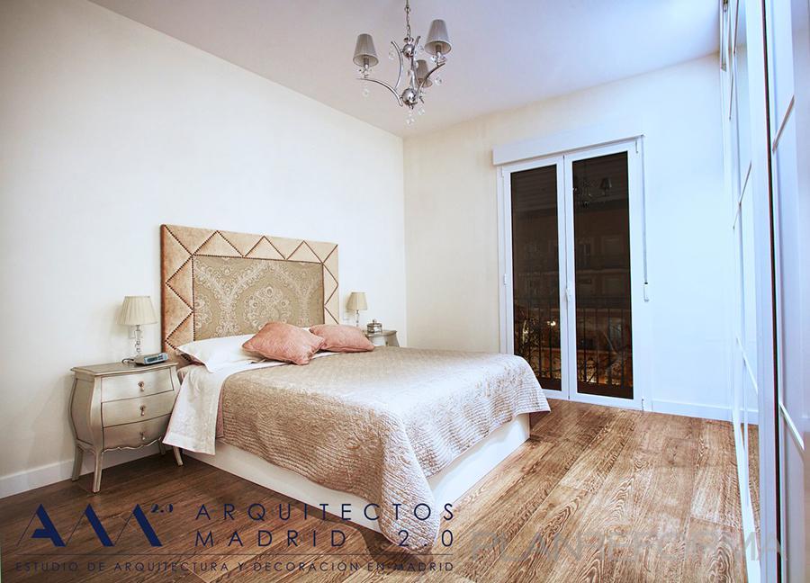 Dormitorio style clasico color beige marron blanco - Listado arquitectos madrid ...