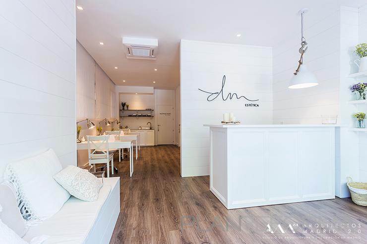 Sal n de belleza estilo contemporaneo color marron blanco - Listado arquitectos madrid ...