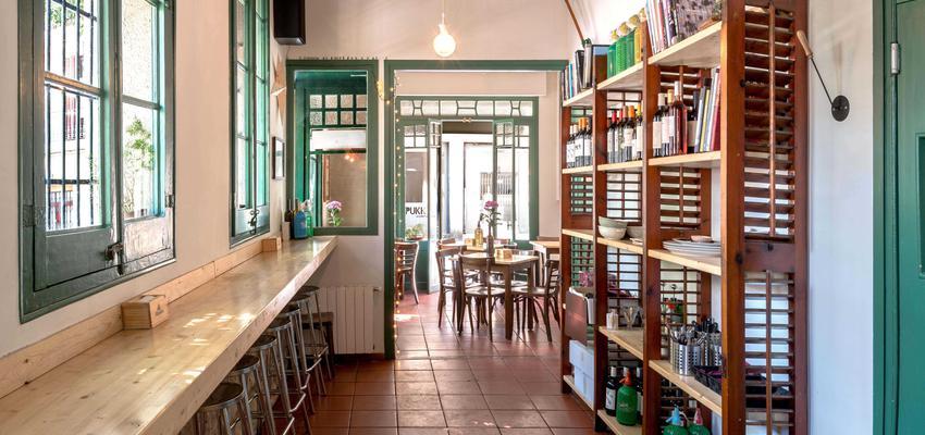 Bar Estilo vintage Color verde  diseñado por DCM Construcción | Gremio | Copyright sí