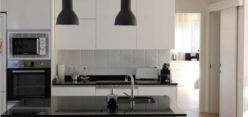 Cocina Estilo moderno Color gris, plateado  diseñado por Jairo Villarreal | Gremio | Copyright Arista Construcciones Inteligentes S.L