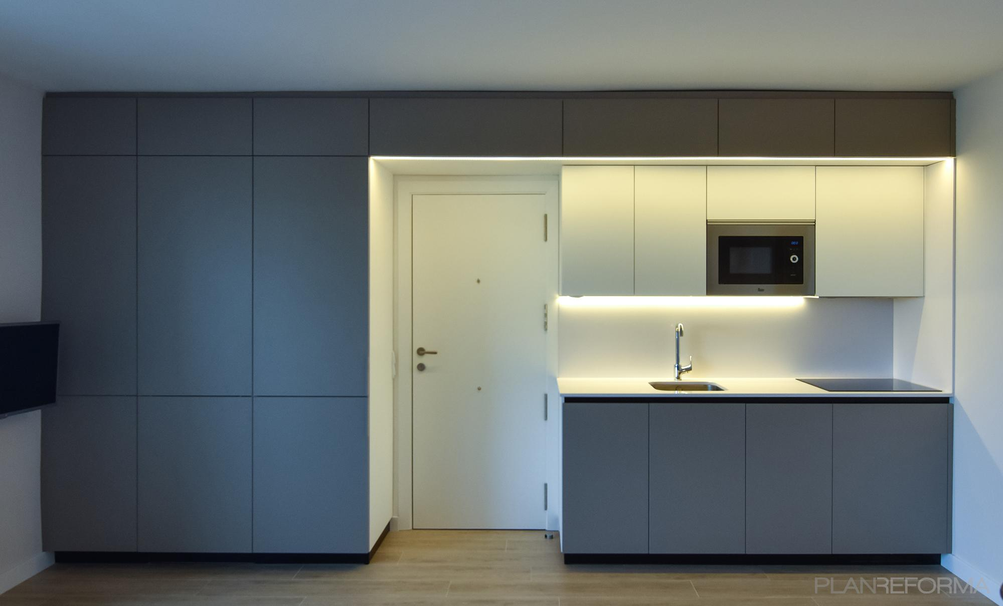 Recibidor, Cocina, Lavadero Estilo moderno Color marron, beige, blanco  diseñado por Goko   Arquitecto