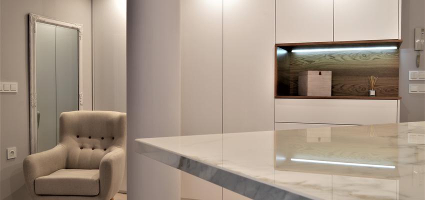 Salon Estilo moderno Color blanco  diseñado por INTRO interiorismo y reformas | Gremio | Copyright INTRO interiorismo y reformas es el propietario de la imagen.