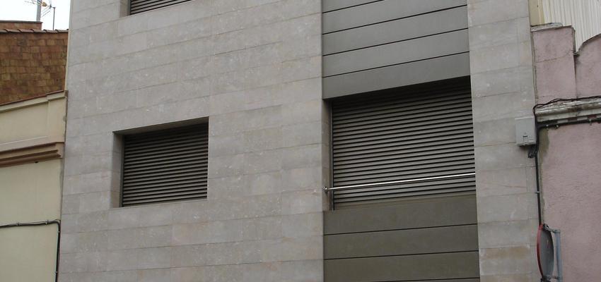 Exterior style contemporaneo color beige, gris  diseñado por PERE HOMET SITJES | Arquitecto