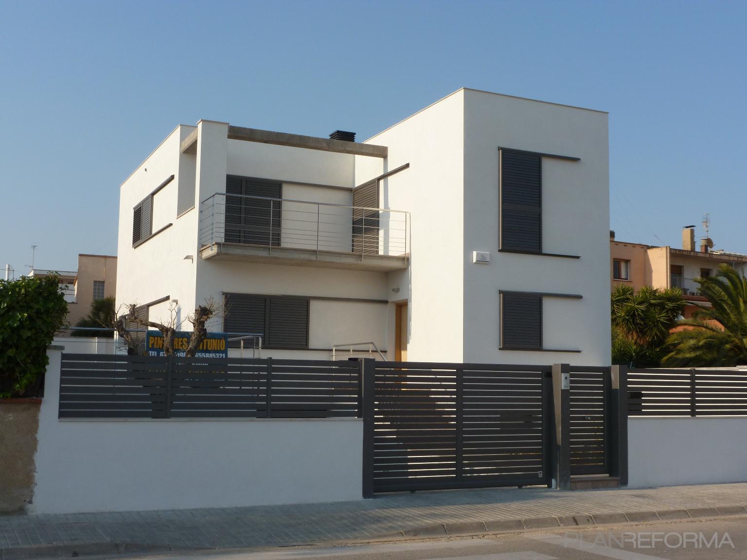 Recibidor balcon exterior style moderno color marron blanco - Recibidor moderno blanco ...