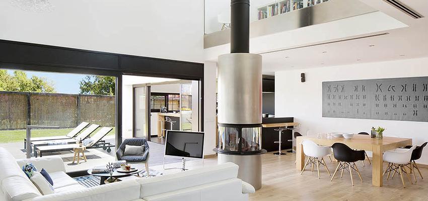Comedor, Salon style moderno color marron, gris, plateado  diseñado por Cotacero Taller Arquitectura | Arquitecto | Copyright Cotacero Taller Arquitectura