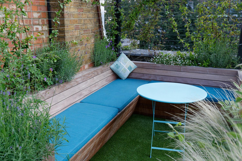 Terraza Patio Jardin Estilo Moderno Color Verde Verde Azul Cielo