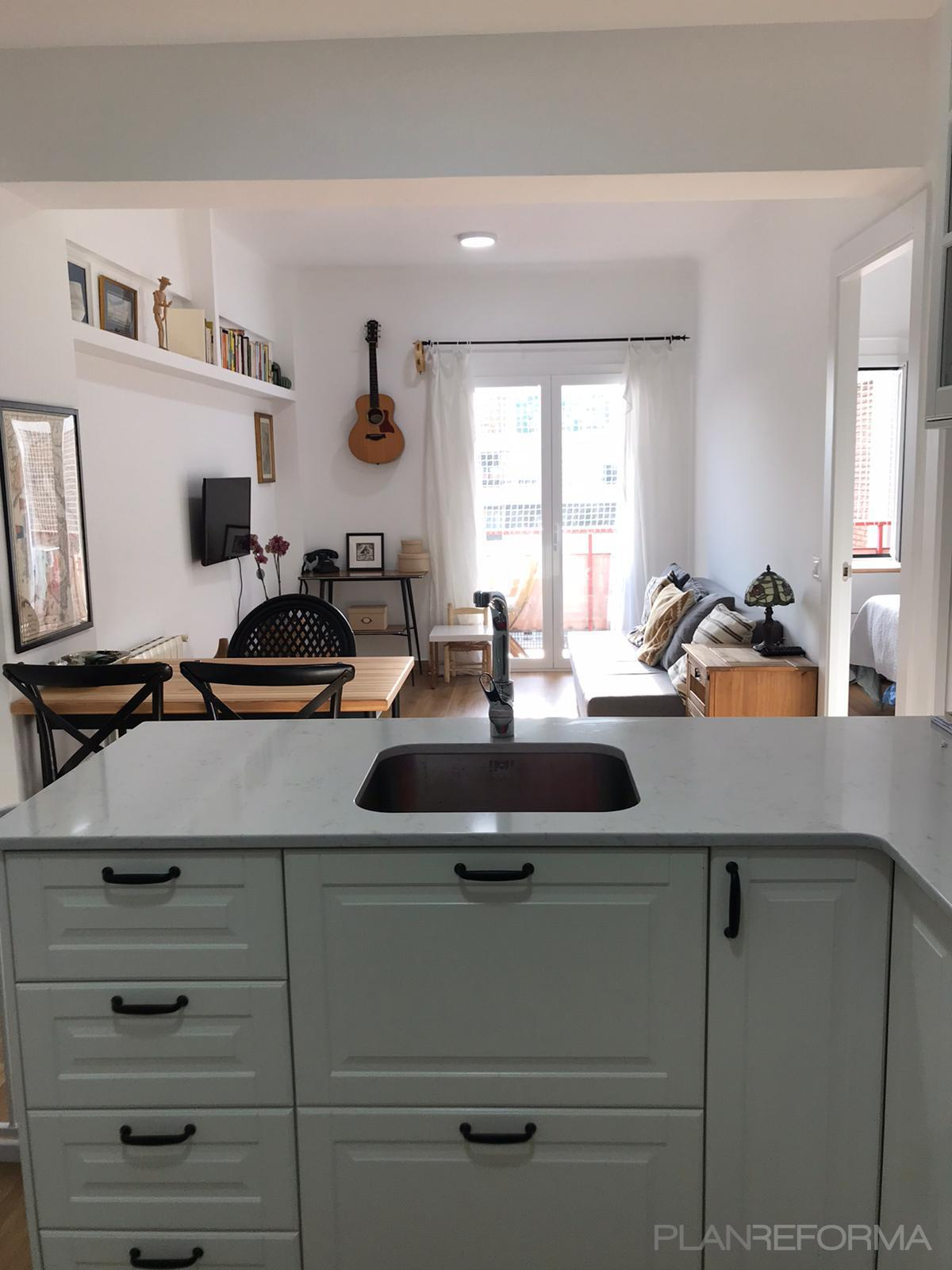 Comedor, Cocina Estilo moderno Color blanco  diseñado por Fermix construcciones s.l | Gremio | Copyright Fermix construcciones s.l