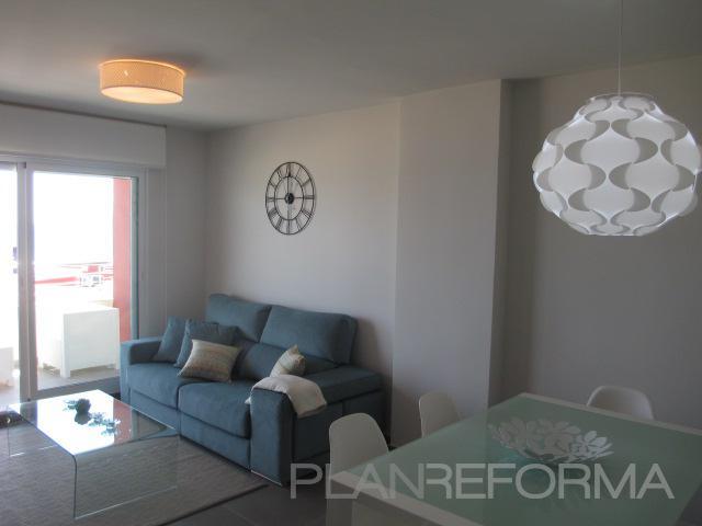Salon style moderno color azul cielo azul blanco gris - Salon moderno blanco ...
