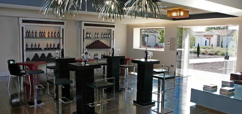 Bodega, Bar Estilo moderno Color marron, blanco, negro  diseñado por RAQUEL CHAMORRO | Interiorista